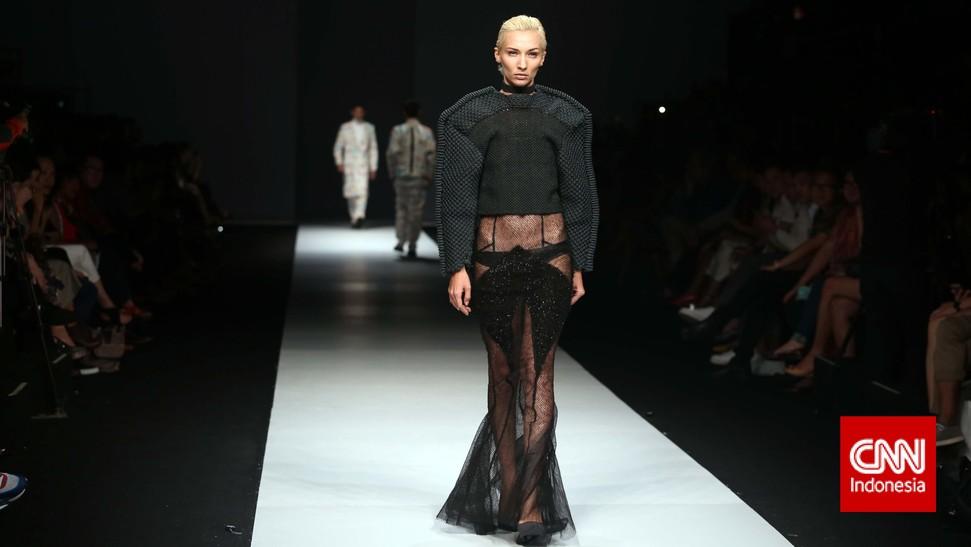 Koleksi Desainer Indonesia Fashion Forward