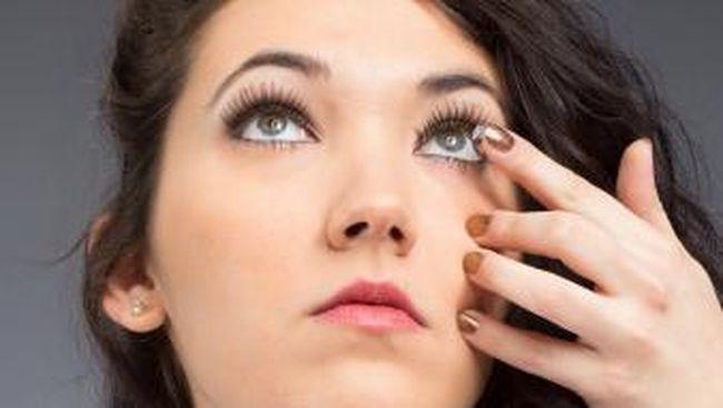 Bahaya Salah Pakai Lensa Kontak: Bisul Mata dan Buta