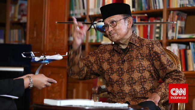 Tolak Minta Maaf G30S, Jokowi Dibandingkan dengan Habibie