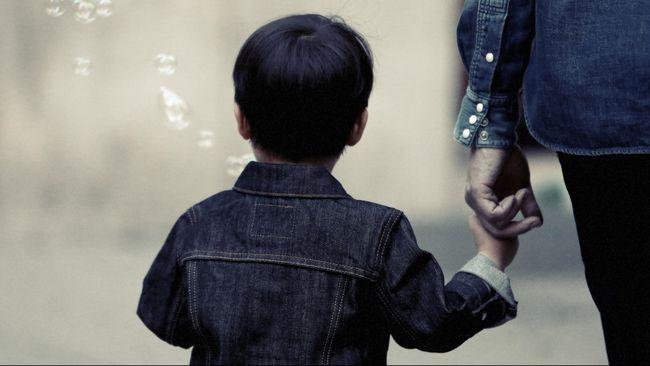 5 Cara Mengajari Anak Berperilaku Baik