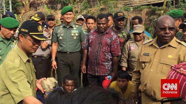 Senjata dan Proyektil Insiden Tolikara Dibawa ke Makassar