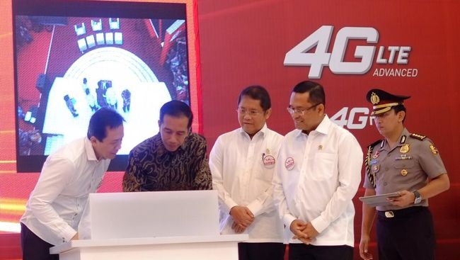 Berita Fadjar Smartfren Launches First 4g Lte Advanced In Indonesia