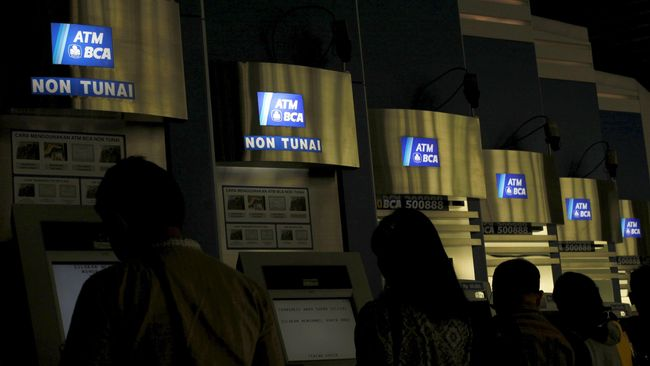 BCA Bakal Kenakan Biaya Cek Saldo dan Tarik Uang Lewat ATM