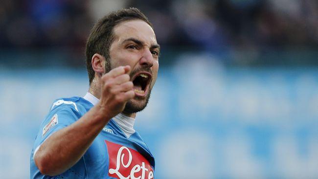 Napoli Tolak Pinangan Atletico Untuk Higuain