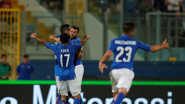 Gol Pelle Bawa Italia Tekuk Skotlandia