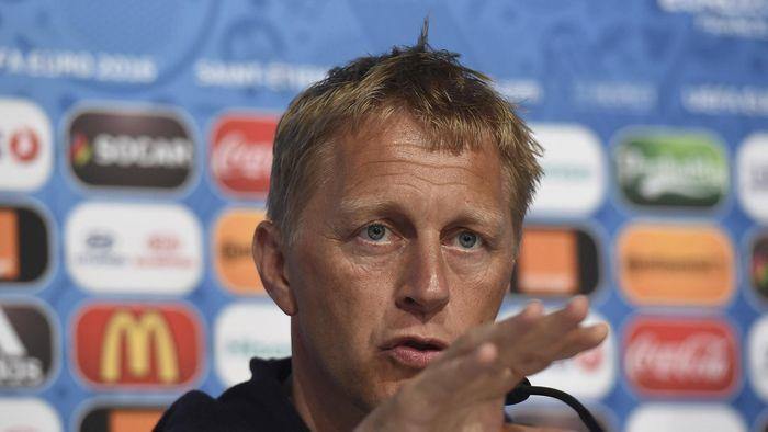 Pelatih Islandia Merasa Aneh Harus Lawan Inggris