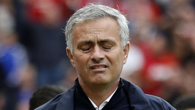 Mourinho Menyesal Tepikan Ashley Young dan Depay di MU