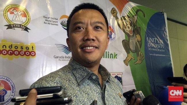 Kemenpora Ciptakan Rekor Dunia Keluarga - Jakarta CNN Indonesia Kementerian Pemuda dan Olahraga bekerja sama dengan Pemkot Bekasi berhasil menciptakan rekor dunia peserta terbanyak