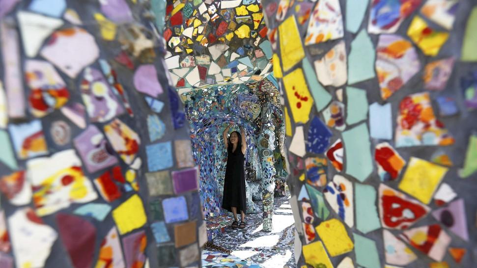 rumah mozaik monumen cinta dua seniman tua