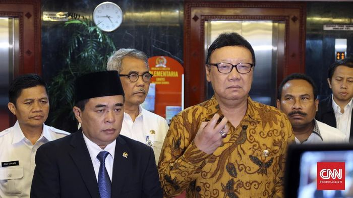 CNN Indonesia Detail: Mendagri Sebut Sumarsono Berpeluang Jadi Plt Gubernur DKI