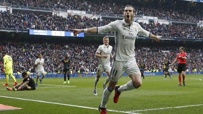 Gurauan Mourinho ke Kamu Tak - Jakarta CNN Indonesia Manajer Manchester Jose tertangkap kamera bergurau dengan Gareth Bale jelang pertandingan pramusim melawan Real Madrid