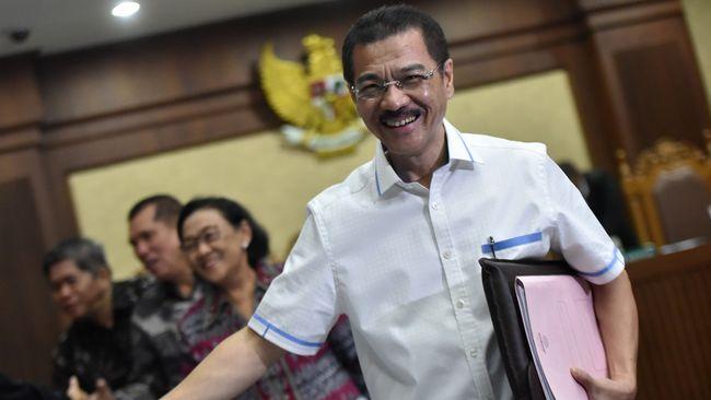 Gamawan Siap Disumpah Tak Terima - Jakarta CNN Indonesia Mantan Menteri Dalam Negeri Gamawan Fauzi mengaku siap disumpah untuk membuktikan dirinya tidak menerima aliran