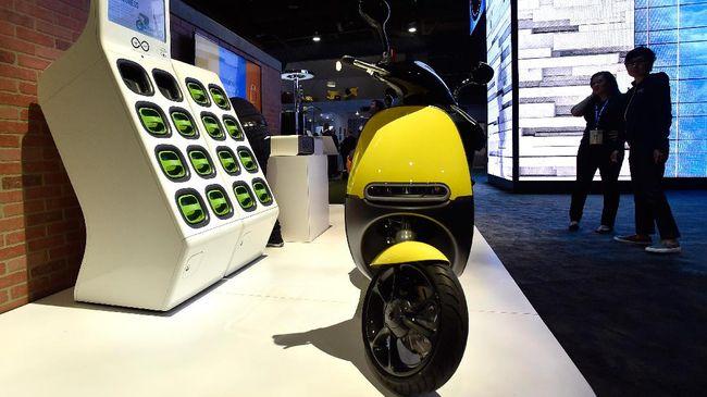 Skuter Listrik Gogoro Bakal Sambangi - Jakarta CNN Indonesia Gogoro memutuskan melebarkan pangsa kawasan menjadi negara bidikan Gogoro dalam memasarkan skuter listriknya di asal