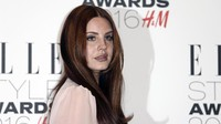Lana Del Rey 'Kencan' dengan The Weeknd di Papan Hollywood