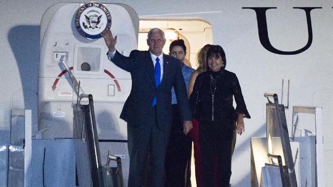 Kunjungan Mike Pence ke Simbol - Jakarta CNN Indonesia Wakil Presiden Amerika Serikat Mike Pence tiba di Rabu malam Salah satu agenda Pence dalam