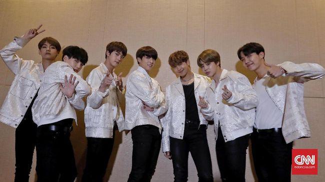 Boyband Korea Pertama Penakluk Billboard - Jakarta CNN Indonesia Tidak boyband asal Bangtan Boys alias BTS terbang ke Las Mereka tak sekadar melenggang di