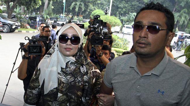 Diperiksa Ema Bantah Firza Kirim - Jakarta CNN Indonesia Saksi kasus dugaan percakapan pornografi Fatihah Husein Assegaf atau Kak Ema menyatakan Firza Husein tidak
