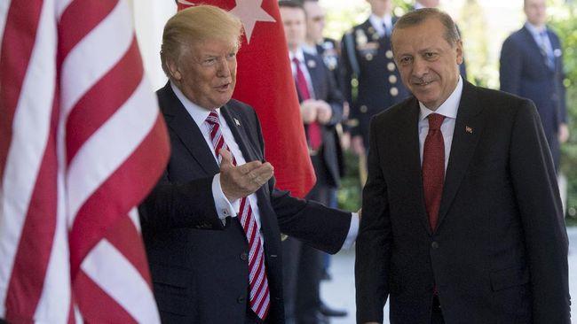 Tak Sepakat Soal Tetap Umbar - Jakarta CNN Indonesia Presiden Amerika Serikat dan Presiden Turki Recep Tayyip Erdogan berdiri berdampingan dan menyebut keduanya merupakan