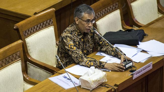 Ketua DK OJK Terpilih Sambangi - Jakarta CNN Indonesia Wimboh Ketua Dewan Komisioner Otoritas Jasa Keuangan terpilih menyambangi kantor Kementerian Koordinator Bidang Perekonomian Darmin