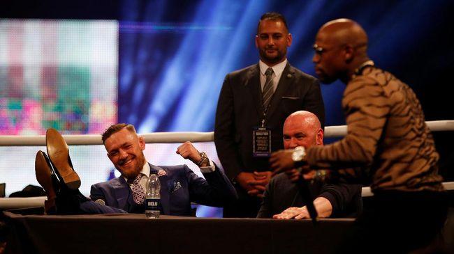 Mike Tyson Suka Karakter Conor - Jakarta CNN Indonesia Legenda Mike Tyson mengaku senang dengan karakter yang ditunjukkan oleh Conor McGregor dalam rangkaian konferensi