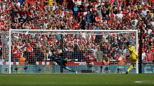 Penalti Sejarah Tercipta Saat Arsenal - Jakarta CNN Indonesia mengalahkan Chelsea lewat drama adu penalti pada laga Community Shield di Stadion Minggu Sejarah tercipta