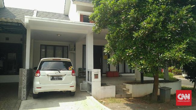 Terduga Teroris Serpong Rajin Makanan - Jakarta CNN Indonesia berinisial SPT terduga teroris yang ditangkap di kawasan komplek perumahan Cluster Melia perumahan Graha Serpong