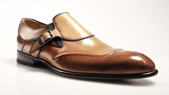 merawat sepatu kulit selama musim hujan agar tak cepat rusak