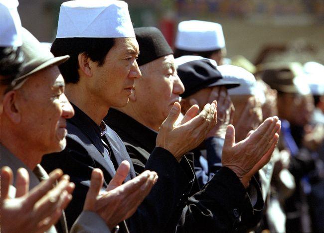 Untuk Buat Paspor, Warga Xinjiang Harus Serahkan Sampel DNA