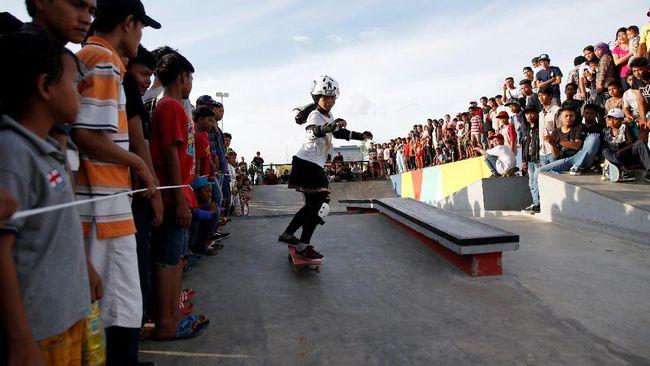 Taman publik kalijodo segera diresmikan ahok for Mural kalijodo